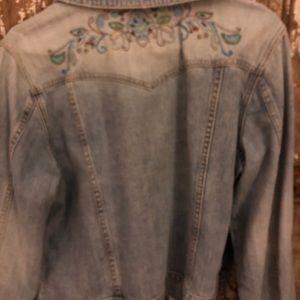 Old Navy Jackets & Coats - Old Navy distressed jean jacket